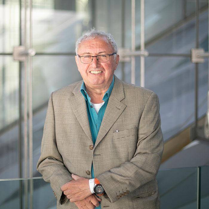 Prof. Dr. Josef Kessler